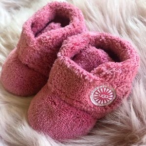 Ugg like new bubblegum pink baby boots